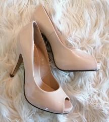 Lakirane sandale