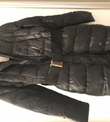 Benetton zimska duga pernata jakna s remenom