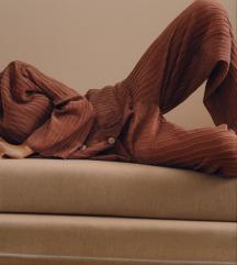 ZARA plisirana pidžama hlače s etiketom