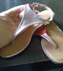 OVS sandale japanke 32 br.