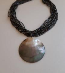 Ogrlica s privjeskom od sedefa  REZZ