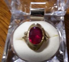 Zlatni prsten 585
