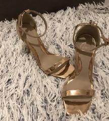 Nove visoke sandale