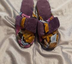 Nove kućne papuče