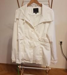 Bijela proljetna jakna