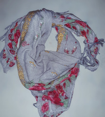 Cvjetna duza marama