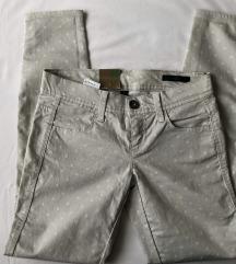 Benetton hlače sa zvjezdicama, s etiketom
