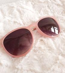 Sunčane naočale s rozim okvirom