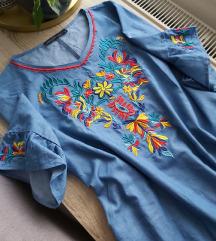 Izvezena haljina sa džepovima