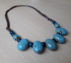 Podesiva ogrlica ručni rad sa plavim kamenima