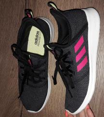 Nove Adidas 39