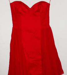 Crvena haljina, Asos