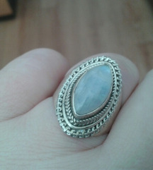 SNIŽENJE - Prsten od srebra i mjesečevog kamena