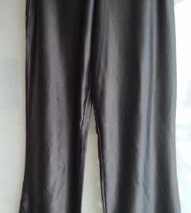 Ženske crne satenske hlače veličina M 🧡