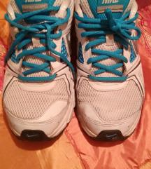 Nike tenisice br.39