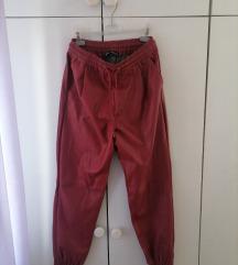 Zara crvene kožne hlače