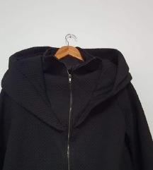 Nova prošivena crna jakna s kapuljačom (Amelie)