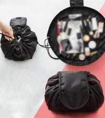 Nova crna make-up torbica