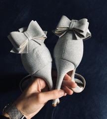 Srebrne štikle, sandale
