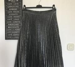 Plisirana midi suknja