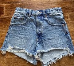 Zara kratki jeans