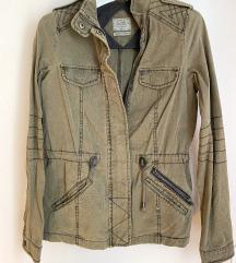 Maslinasto zelena jakna