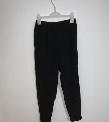 Bershka crne hlače