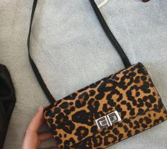 Zara nova kozna torbica