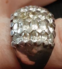 Prsten stebro sa cirkonima