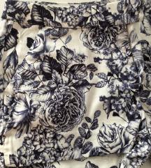 H&M kratke hlače s plavim uzorkom cvijeća