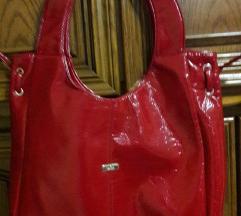 Crvena torba od lak kože