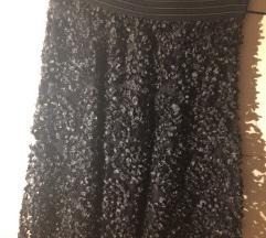 Crna suknja od sitnih listića