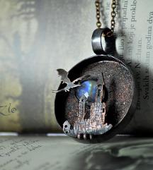 Zmaj i dvorac