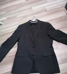 Komplet odijelo potpuno novo. Hugo boss