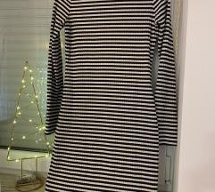 Prugasta knit haljina