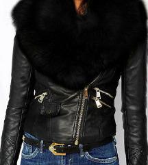 Crna kozna jakna sa krznom