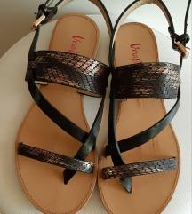 Sandale s printom zmijske kože
