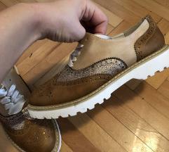 Nove cipele postarina ukljucena