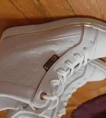Guess cipele 41 NOVO
