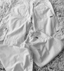 Bijele sportske hlače Reebok