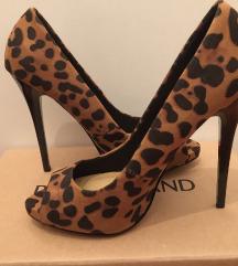 Atraktivne leopard štikle - kao nove
