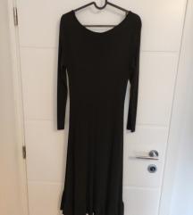 Crna haljina uz tijelo