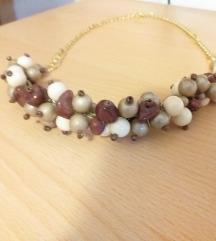 unikat ogrlica smeđe krem perlice  OGLAS OZ USLUGE