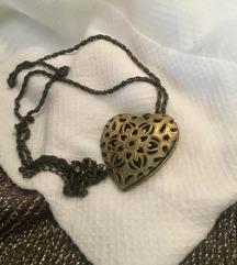 Retro ogrlica u obliku srca ~otvorite vratašca~