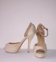 Sandale sa zakovicama Pittarello