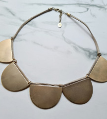 Accessorize metalna ogrlica NOVO