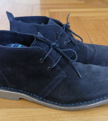 Tamnoplave cipele od brušene kože