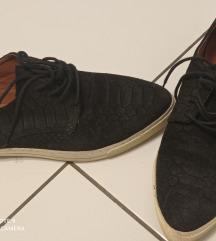 Cipele br38