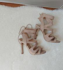 Sandale na petu 35