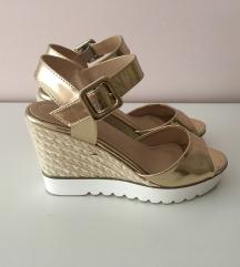 Zlatne sandale br 35